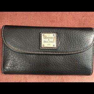 Dooney & Bourke Bags - Dooney & Bourke Black Leather Wallet
